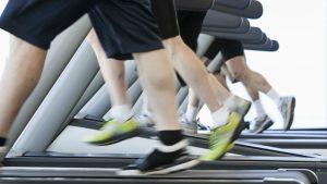 legs-treadmill-crowded-gym